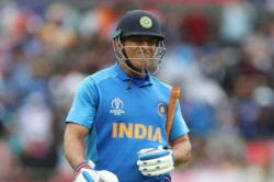 This Man Made Me Run Like In A Fitness Test Kohli Pays Tribute To Ms Dhoni
