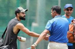 Rahul Dravid Joins Virat Kohli Co In India S Practice Session