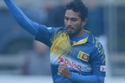 Sri Lanka Captain Dasun Shanaka Equals Ms Dhoni S Record Against Pakistan