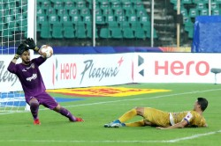 Isl Chennaiyin Mumbai Play Out Entertaining Draw On Deepavali Evening