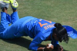 Harmanpreet Kaur Pulls Off Incredible One Handed Catch Watch