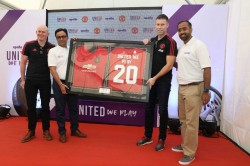 Apollo Tyres And Manchester United Launch United We Play Programme