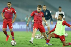 Isl Atk Look To Keep Pace With Top Pack