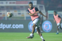 Isl Surging Chennaiyin Host Revitalised Jamshedpur In The Chase For Playoffs