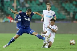 Isl Chennaiyin Hunt Down Northeast To Move Up To Sixth