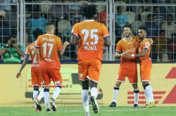Isl 2020 Goa Affirm Top Spot Credentials With Mumbai Demolition