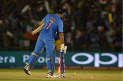 Ms Dhoni Outsmarted His Opponents With His Brilliant Planning