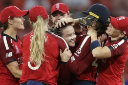 England Women Played Amazing Game During Rain Delay On 5th T