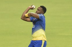 Ipl 2020 Bravo Suffered Right Groin Injury His Situation Will Be Reassessed Fleming