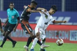 Isl 2020 Sylla Angulo Score As Neufc And Goa Share Points
