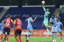 Isl 2020 Eze Salvages A Point For Jamshedpur Against Hyderabad