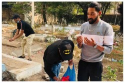 Mohammed Siraj Went Straight Into The Father S Grave After Reaching Hyderabad