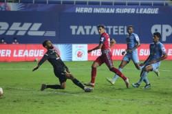 Isl Mumbai City Suffer League Shield Setback As Jamshedpur Claim Stunning Win