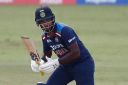 Former Pakistan Batsman Labels Sanju Samson As Lazy Batsman