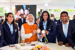 Pm Narendra Modi Fulfils Promise Has Ice Cream With Pv Sindhu