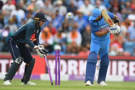 ಇಂಗ್ಲೆಂಡ್ vs ಭಾರತ 3ನೇ ಏಕದಿನ-Live: ಸರಣಿ ಸೋಲಿನತ್ತ ವಾಲಿದ ಭಾರತ!
